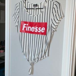 Tops - 🔹Medium front tie Finesse tee